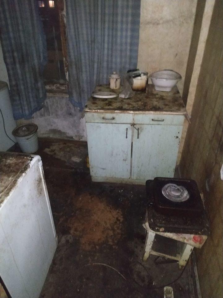 В Атырау заварили дверь квартиры-наркопритона, фото-3