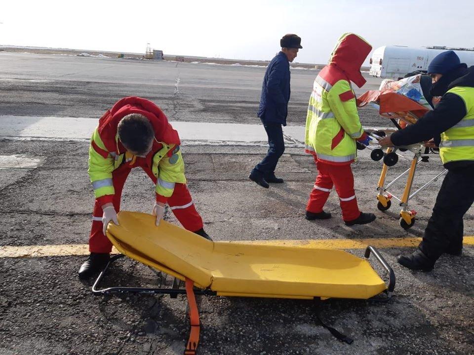Двоих беременных экстренно доставили бортом санавиации из Атырау в Нур-Султан, фото-1, @facebook.com/rcsa.kz