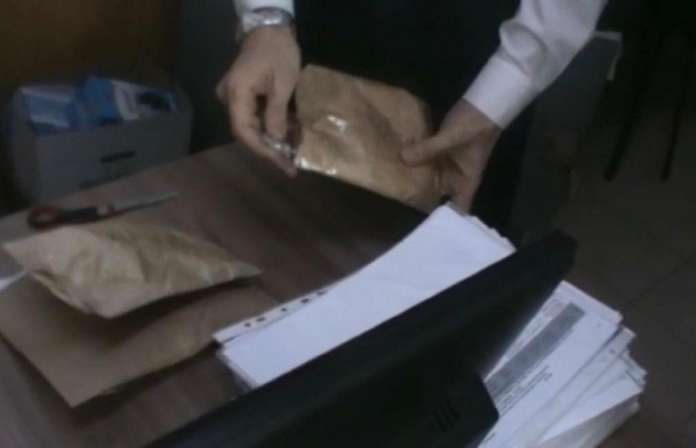 Начальника и главбуха колонии задержали сотрудники КНБ в Атырауской области, фото-1, @knb.gov.kz