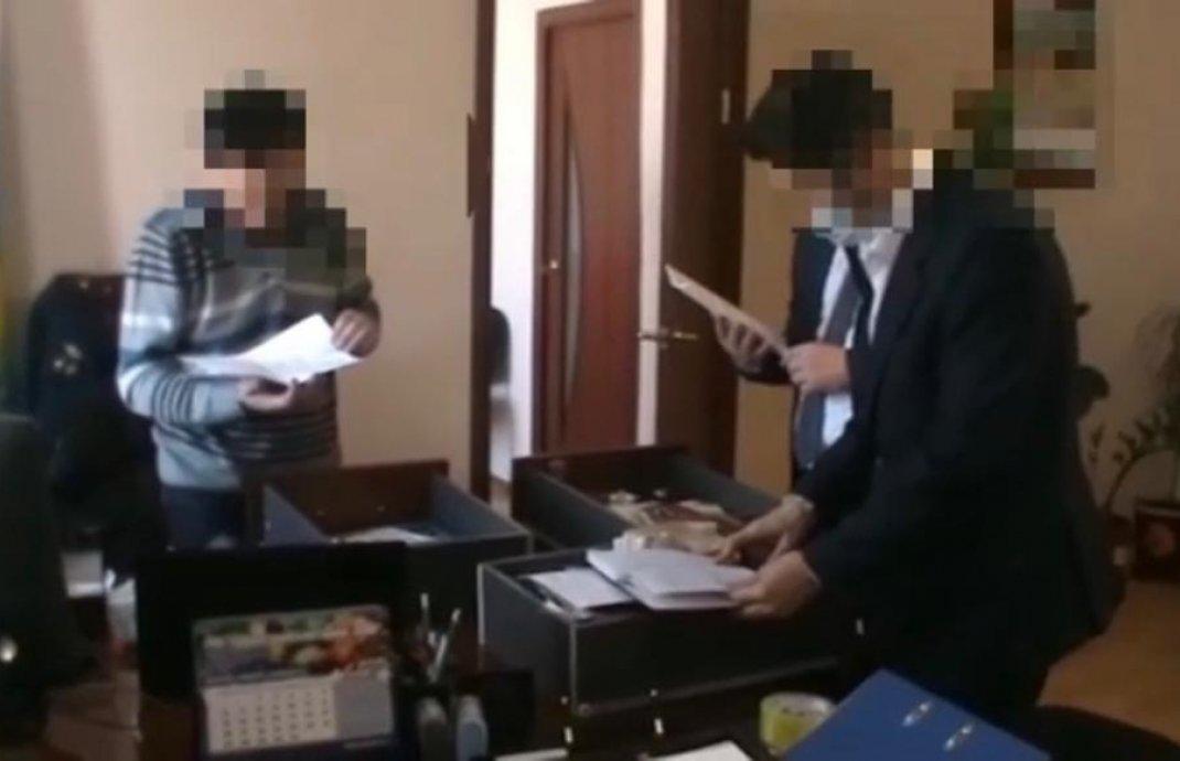 Начальника и главбуха колонии задержали сотрудники КНБ в Атырауской области, фото-2, @knb.gov.kz