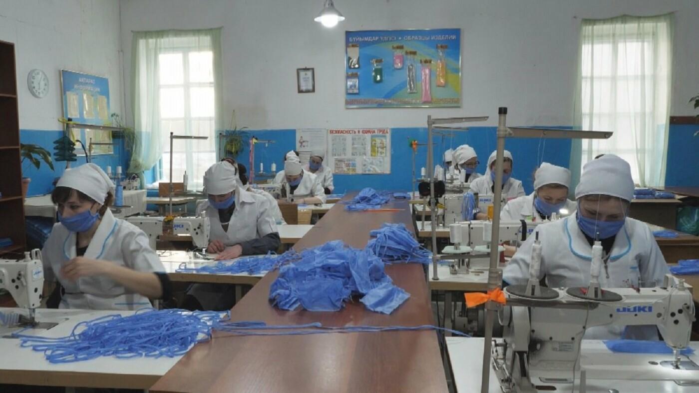 По 50 тысяч масок в сутки будут шить казахстанские заключённые, фото-3