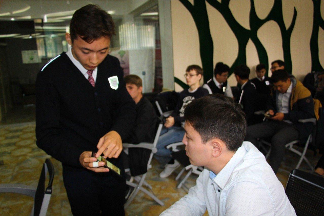 В Атырау ученик 12 класса НИШ получил патент на изобретение, фото-1