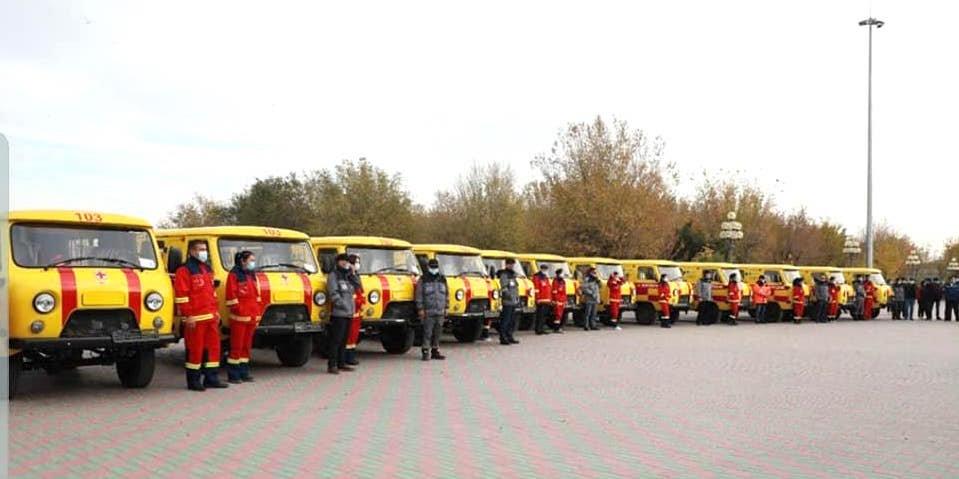 Медицинским учреждениям Атырау передали 12 автомобилей скорой помощи