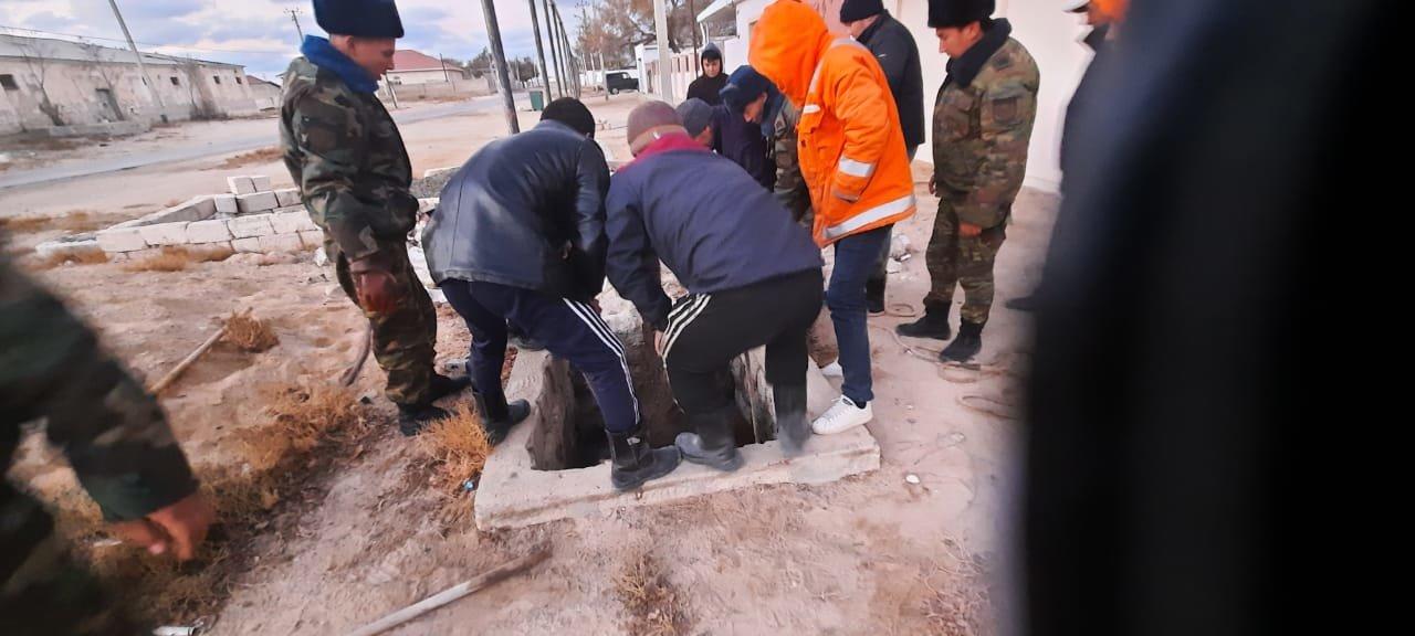 Спасение провалившегося в септик верблюда. Форт-Шевченко