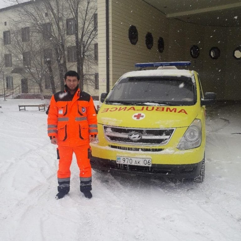 Жительница Атырау родила в карете скорой помощи, фото-1