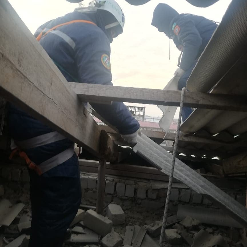 Спасатели работали несмотря на погодные условия, фото пресс-службы ДЧС Атырауской области