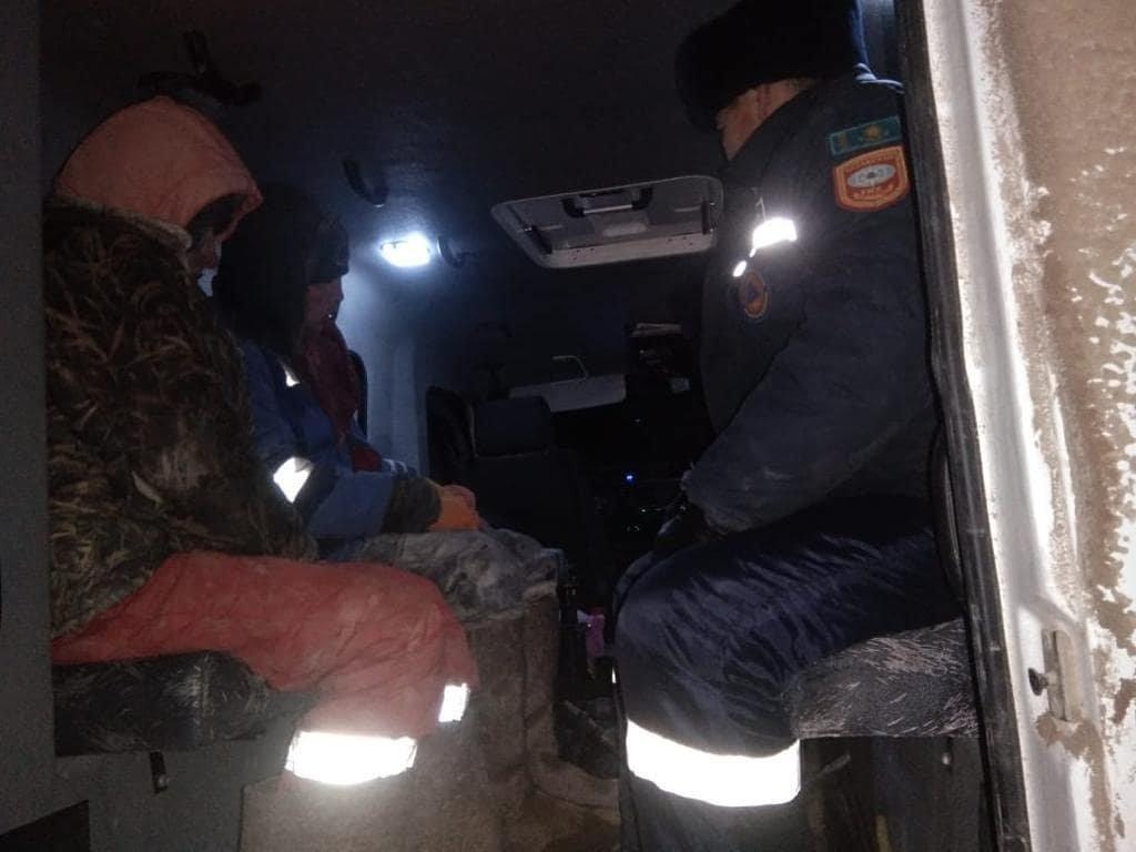 Два пастуха из-за непогоды потеряли весь скот, фото пресс-службы ДЧС Атырауской области